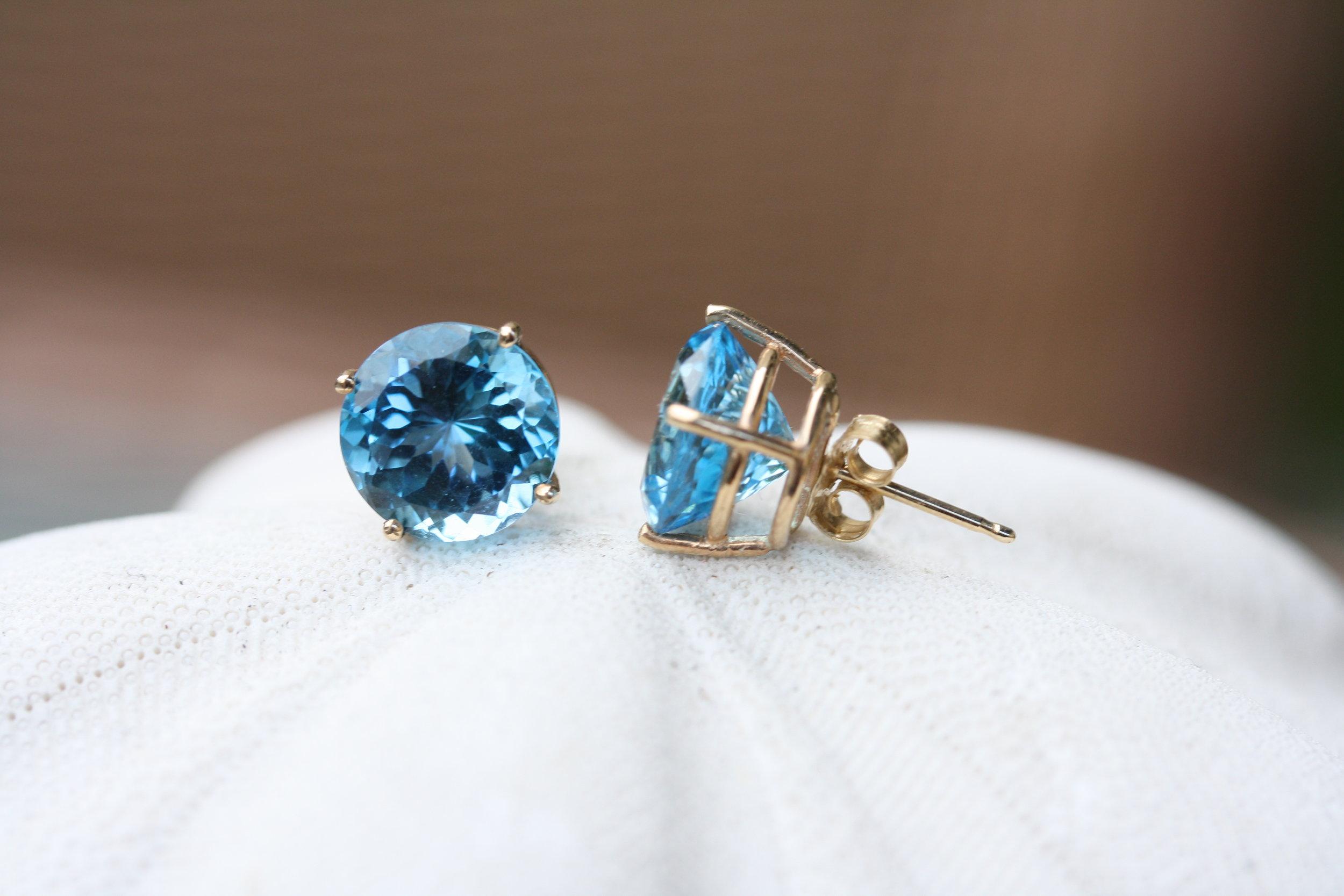 Stud Earrings Blue Topaz Round 14KY-STUD-RD-BTO-14KY_03 copy.JPG