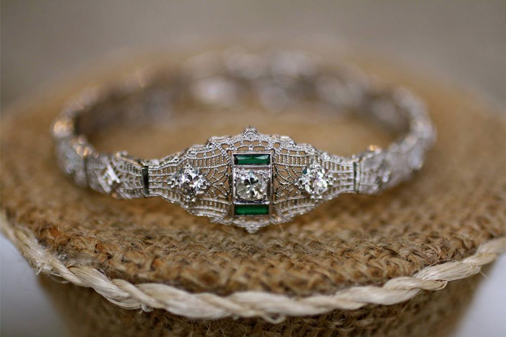 Emerald+Vintage+Bracelet.png