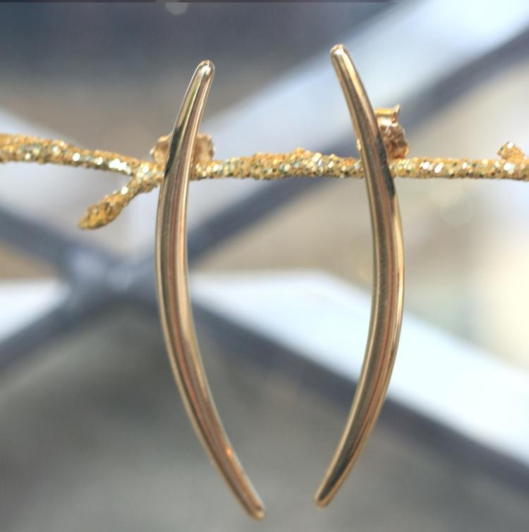 Gold+Spear+Shape+Earrings03.jpg