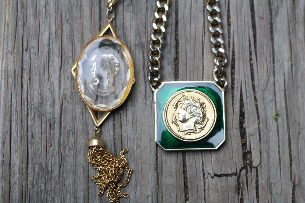 Various+Vintage+Necklace+Group+Shot_03.jpg