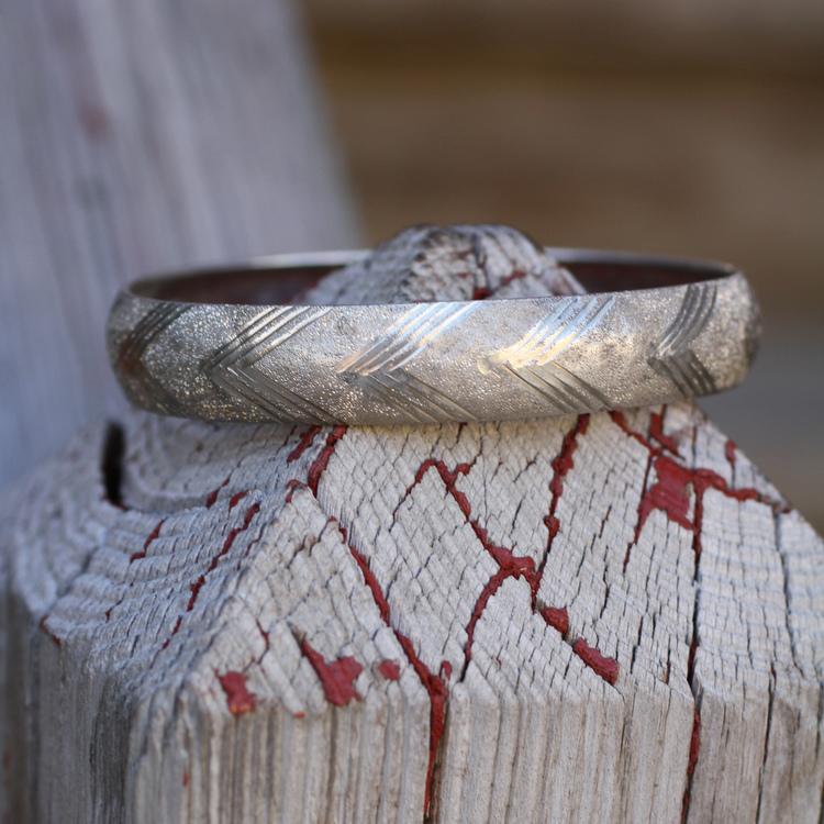 Chevron+Brushed+Silver+Vintage+Bangle+Bracelet_03.jpg