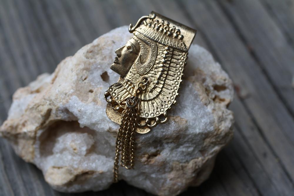Cleopatra+GP+Money+Clip+w+Tassel+Vintage_02.jpg