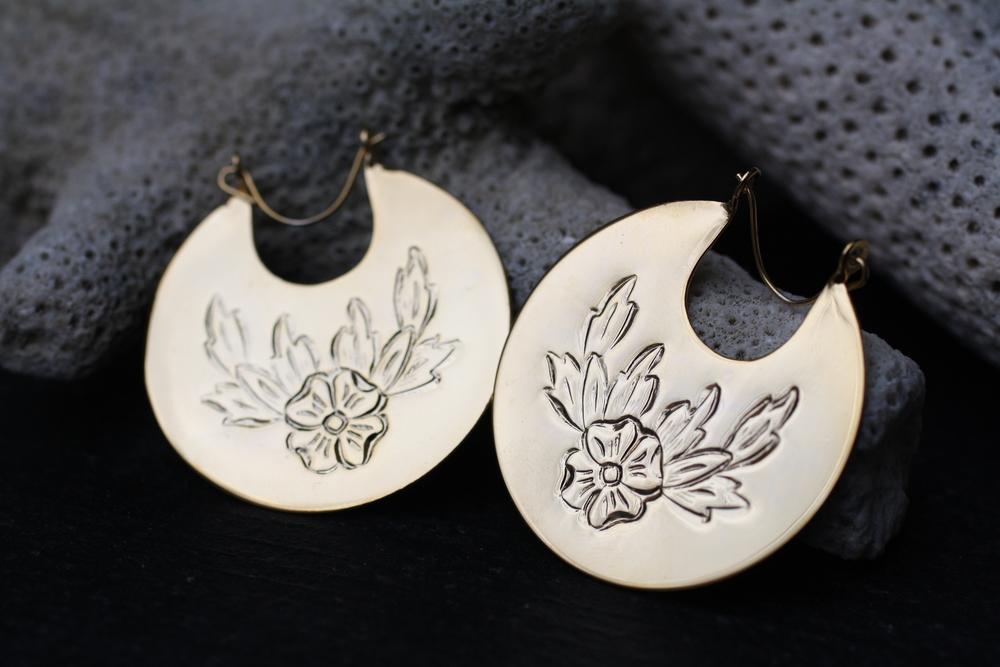 Circular+Floral+Etched+GP+Hoops+Vintage+Earrings_01.jpg