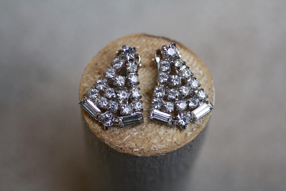 Triangle+Shape+Rhinestone+Earrings_01.jpg