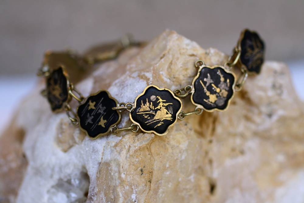 Asian+Black+Enamel+Gold+Plate+Vintage+Bracelet_03.jpg