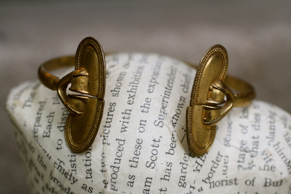 Vintage+Tribal+Brass+Arm+Cuff+Bangle_02.jpg