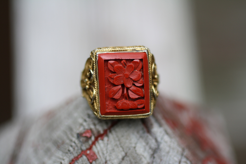 Red+Coral+Bakelite+Rectangle+w+Flower+&+Filigree+GPSS+Vintage+Ring_01.jpg