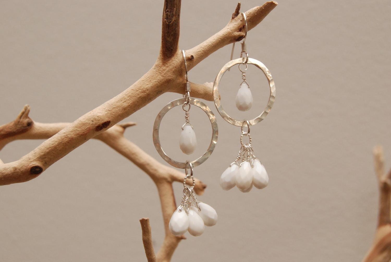 White+Coral+Briolettes+Hammered+SS+Hoop+Earrings_05.jpg