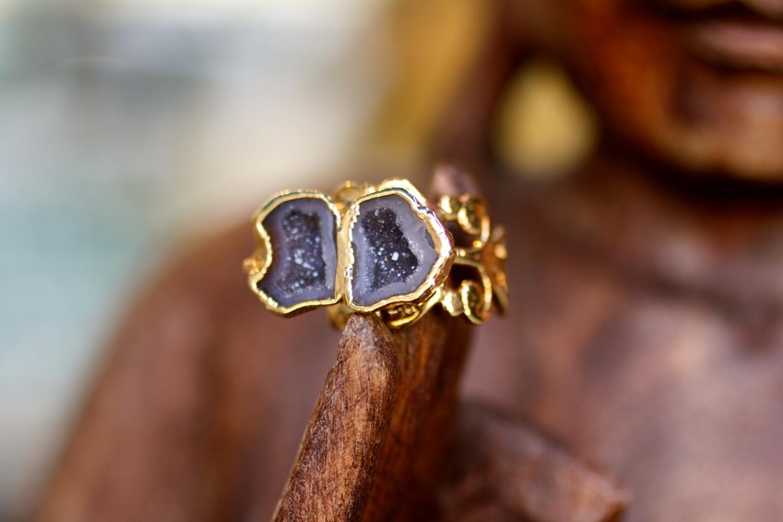 Double+Black+Geode+Cave+Split+Shank+Filligree+Gold+Ring_09.jpg