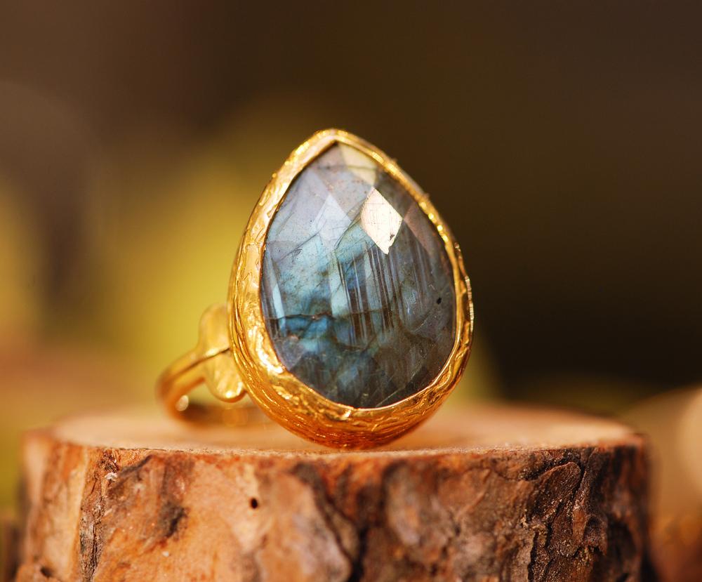 Labradorite+Pear+GP+Ring_01.jpg