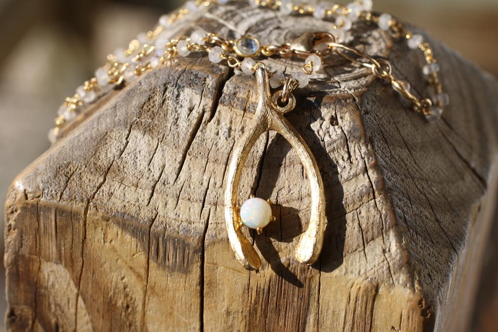 Wishbone+on+Moonstone+BC+Necklace_17.jpg