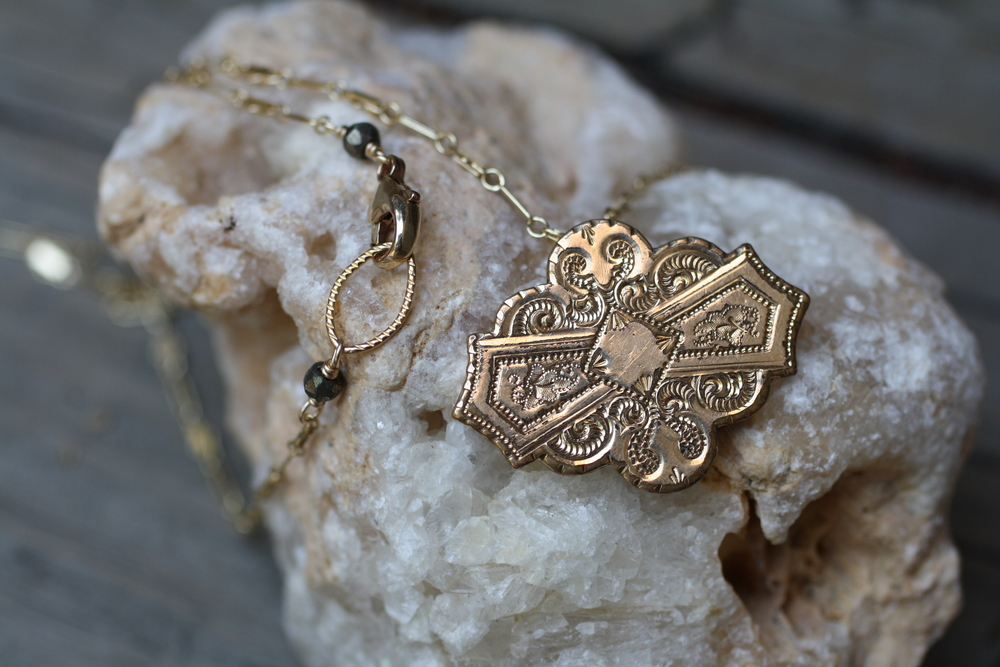 Victorian+Etched+GF+Pin+GF+Vintage+Inspired+Chain_06.jpg