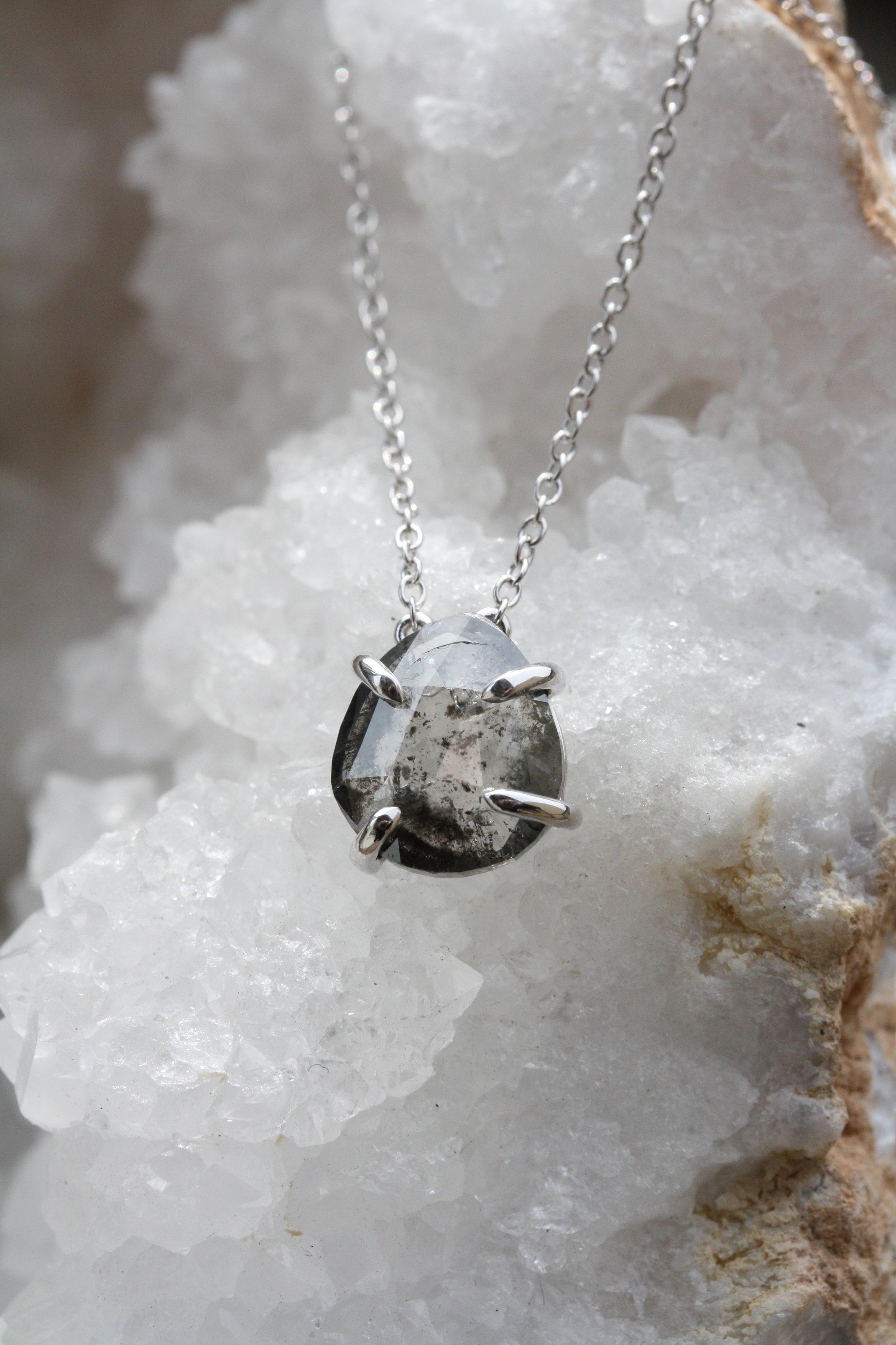 Pear Shape Salt and Pepper Diamond Adjustable 14KW 2.65ct Necklace_02.JPG