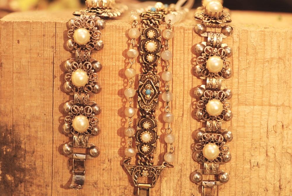 Ornate+Pearl+Turquoise+Base+Metal+Vintage+Bracelets_01.jpg