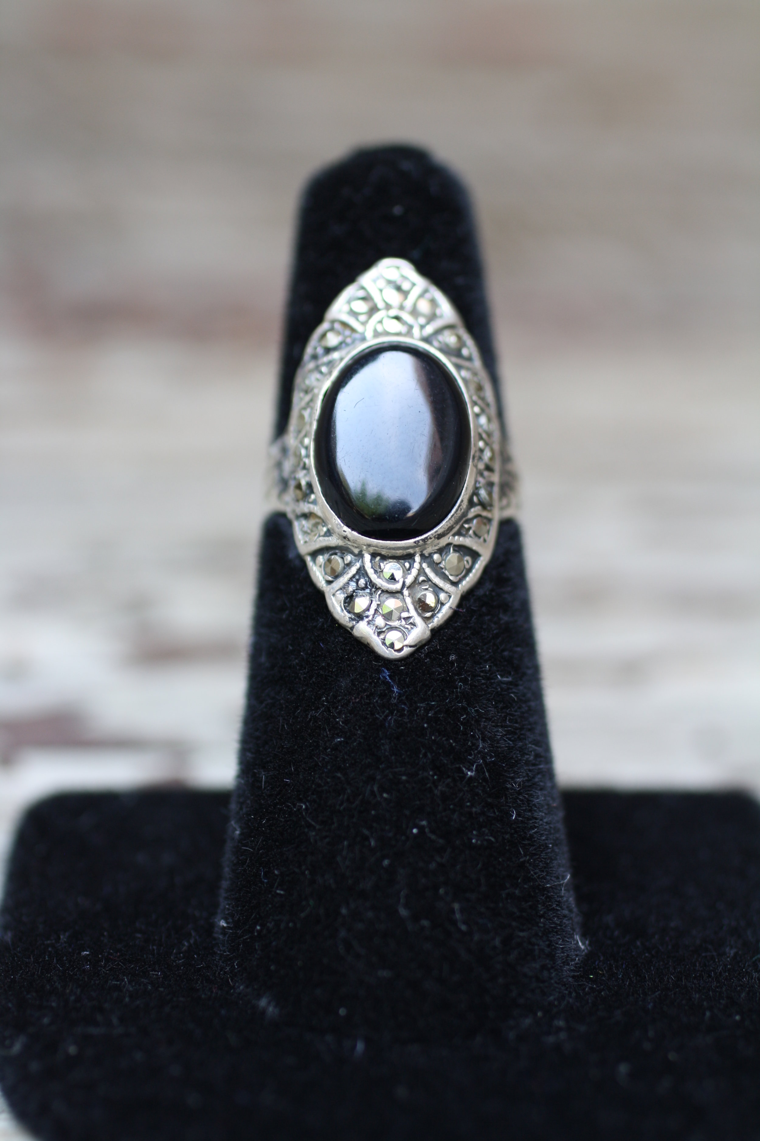 Black Oval Gemstone & Marqusite SS Vintage Ring_04.jpg