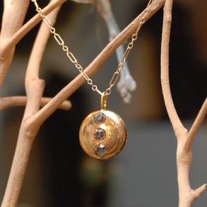 Round+Gold+Pendant+Three+Rhinestone+GF+Vintage+Inspired+Chain_04.jpg