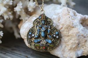 Metal+Krishna+Pendant+Turqoise+Beaded+GF+Chain+VCON+Necklace_02.jpg