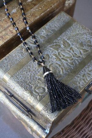 Black+Spinel+Tassel+on+Black+Spinel+Beaded+Chain_01.jpg