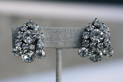 Bell+Shape+Rhinestone+COE+Vintage+Earrings_03.jpg