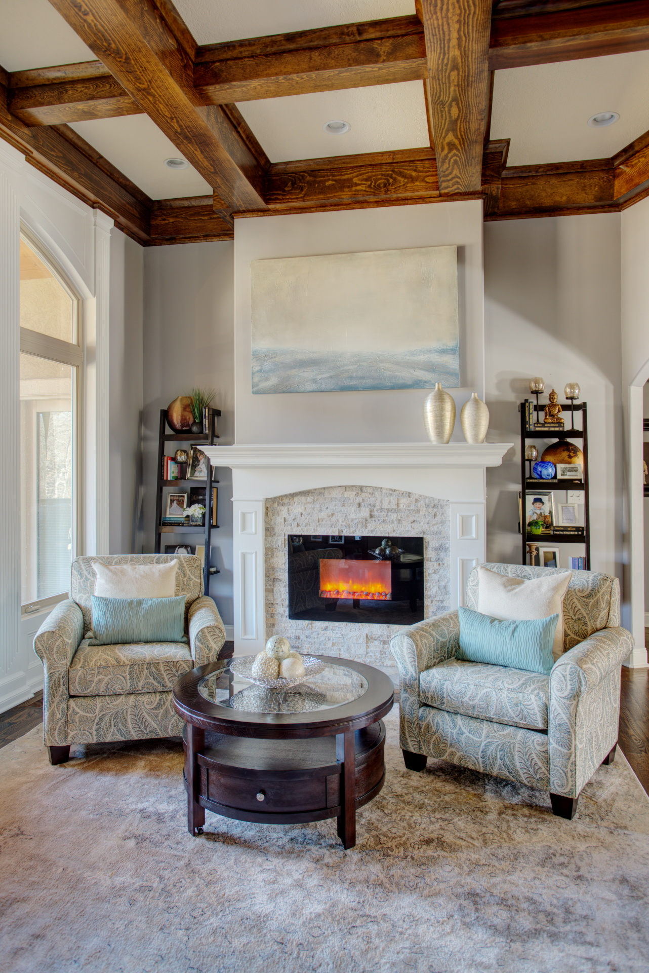 A remodeled sitting room idea,picture from houzz.com.