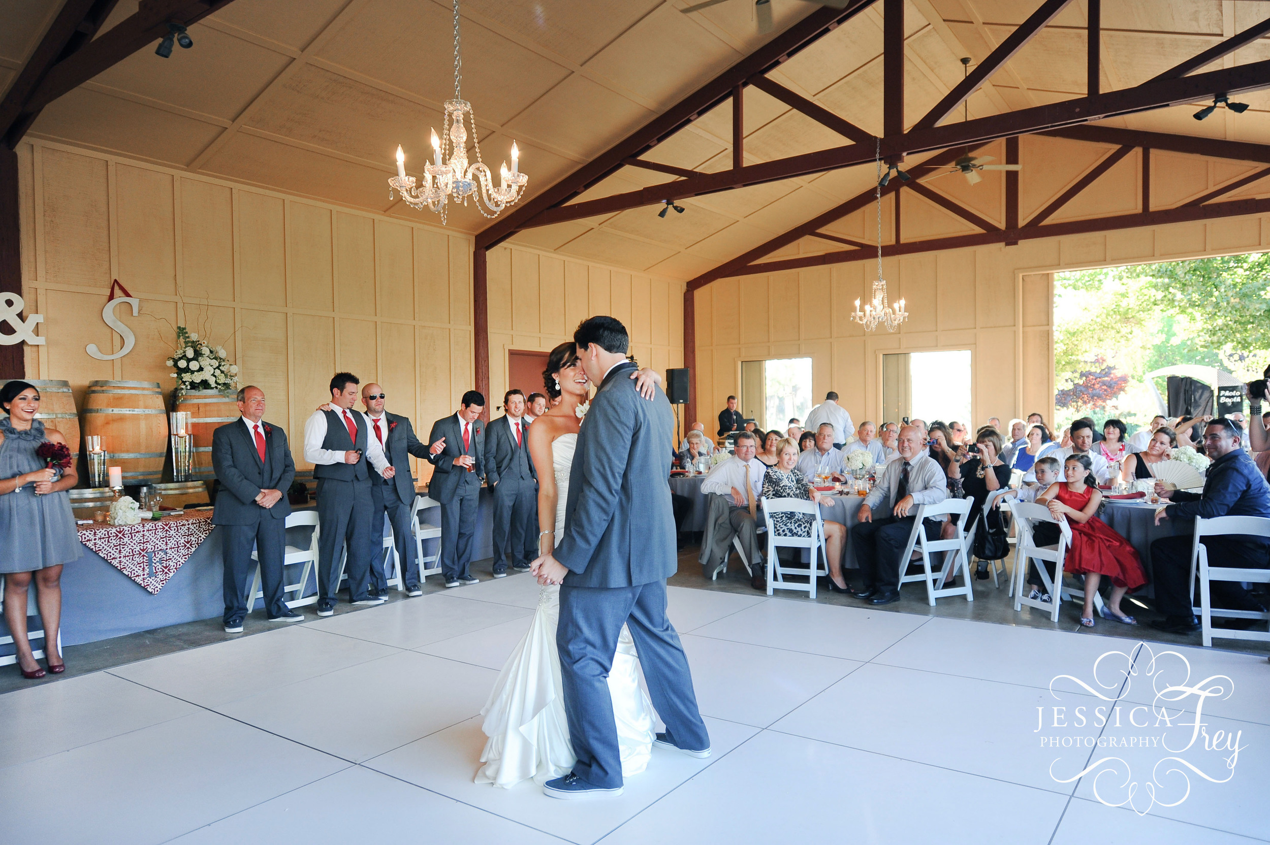 Jessica-Frey-Photography-winery-wedding-34.jpg