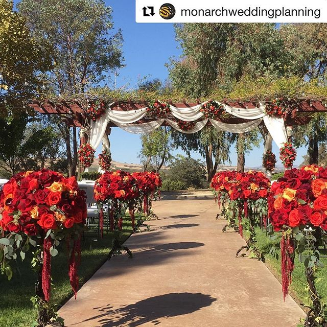 We absolutely love this! Another beautiful wedding at Four Sisters Ranch!! #Repost @monarchweddingplanning (@get_repost) ・・・ Stunning, Stunning and Stunning again !!