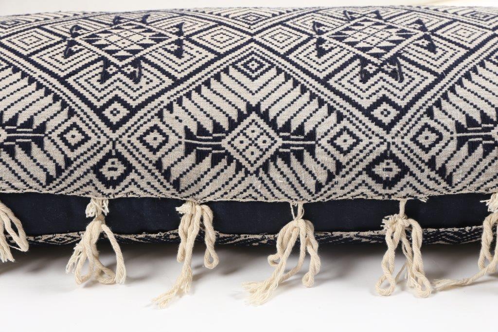 Blanket cushion detail 1 - IMG_7944.jpg