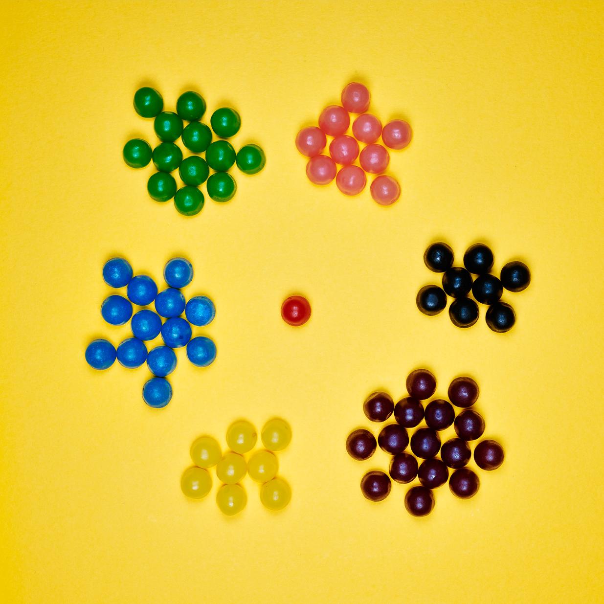 Dragibus Soft:  Purple 23.18% / Blue 18.84% / Green 18.84% / Pink 14.94% / Black 11.59% / Yellow 11.59% / Red 1.44%. (1 x 300g)