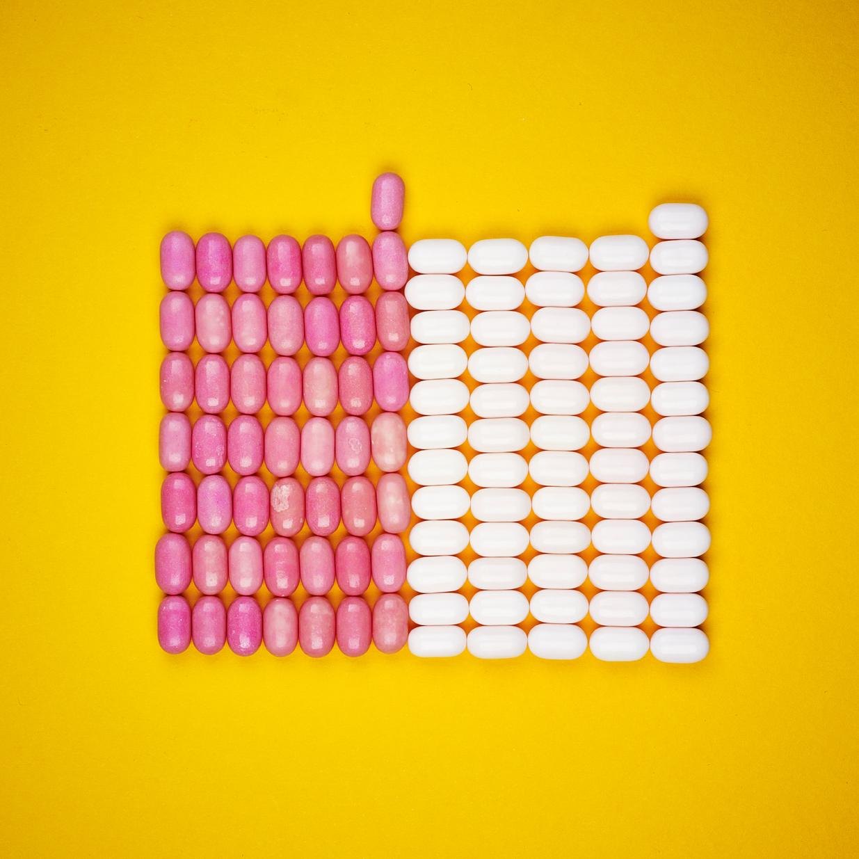 Tic Tac:  White 54.95% / Pink 45.04%.  (4 x 24g)