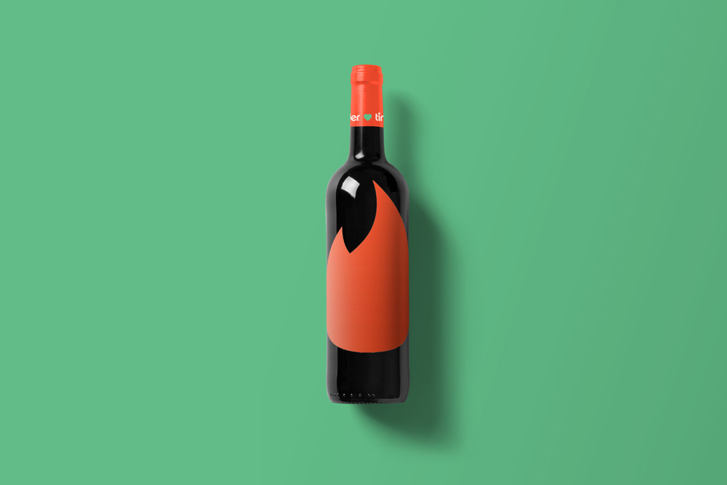 Wine-Bottle-Mockup_tinder.jpg