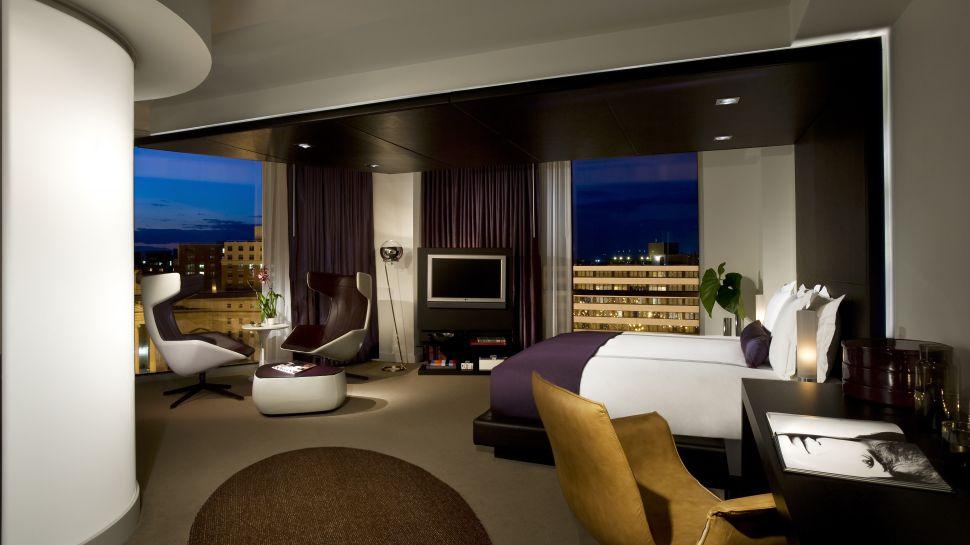 005903-02-studio-bedroom-city-view-night.jpg