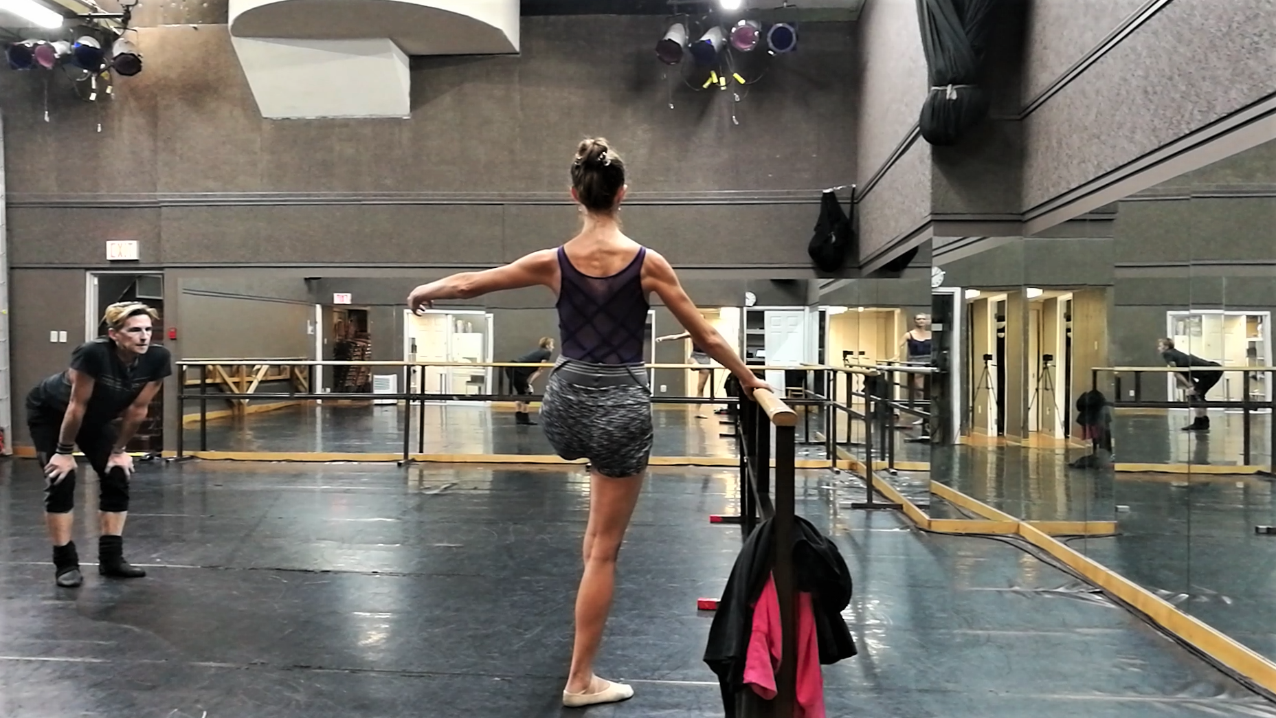 Standing on one leg. Developé on flat. Back activation. Classical 20% exercise!