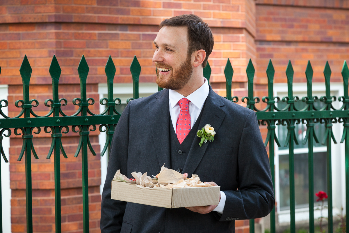 chicago-wedding-groom-with-boutonnieres