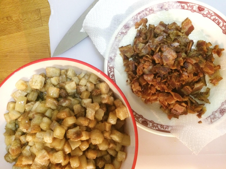 Pork belly two ways for Mac n Cheese – crispy pork belly & Benton's bacon