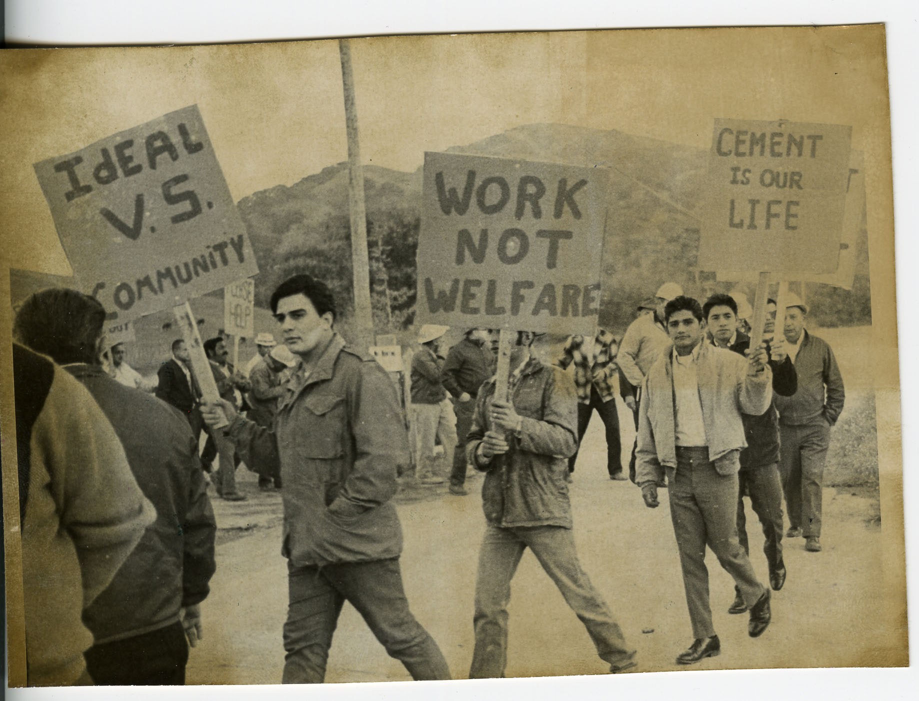CLGAW Lodge 148 Protesting Against Ideal Cement Co., December 19