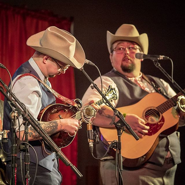 The Po' Ramblin' Boys at Wintergrass 2019. CJ Lewandowski is playing his new Ellis Traditional F5 mandolin while Josh Rinkel looks on.