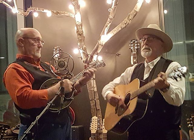 Mike Compton and Joe Newberry tearing it up at Strum Guitars in Portland, Oregon.