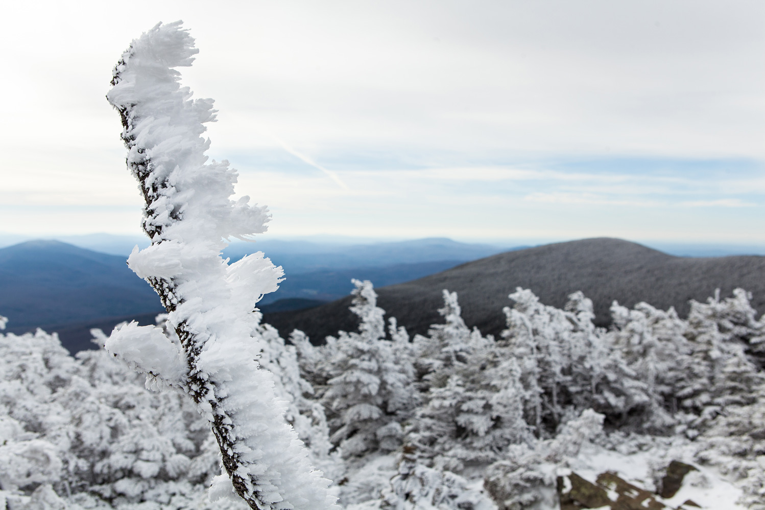 outdoor_photographer_NewHampshire_NewEngland_WhiteMountains_Moosilauke_snow_hike_wind.jpg