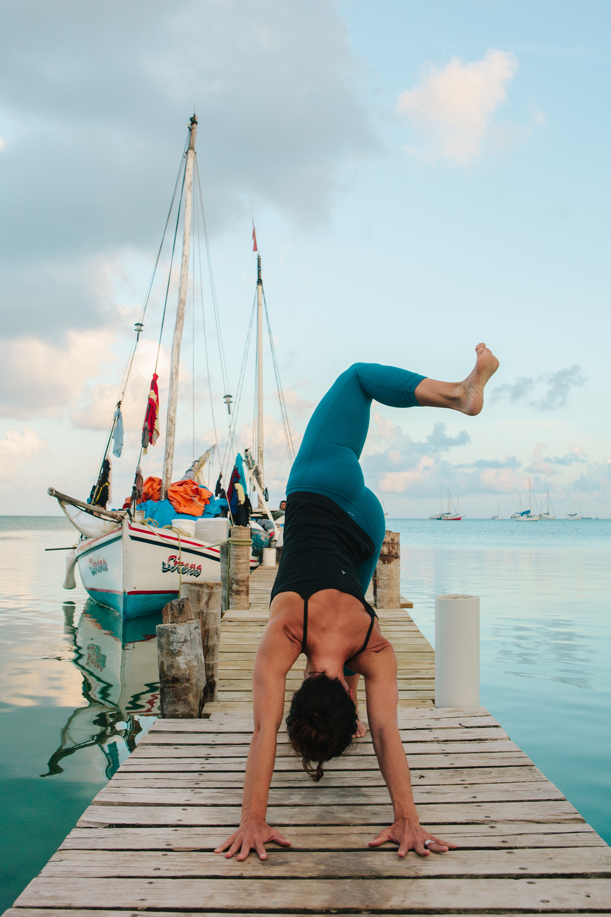CindyGiovagnoli_travel_photographer_editorial_Belize_CayeCaulker_yoga_retreat-085.jpg