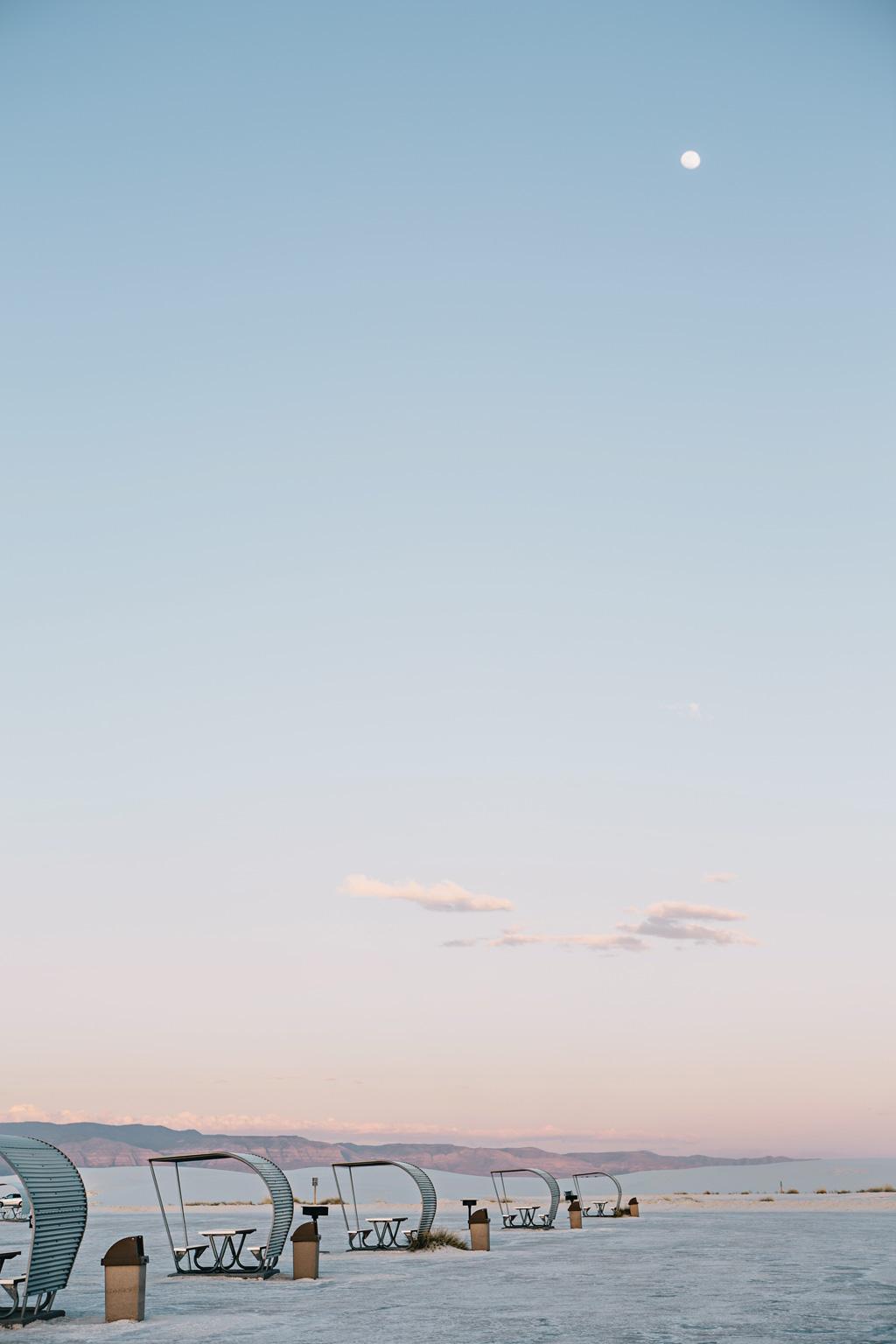 CindyGiovagnoli_WhiteSandsNationalMonument_NewMexico_Alamogordo_sunset_running_picnic_shelter-014.jpg