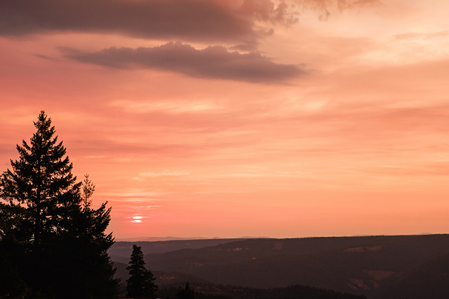 CindyGiovagnoli_California_Nevada_photographer_NevadaCity_PerseidMeteorShower_StampedeReservoir_truck_camping_VirginiaCity_MarkTwain_sunset-017.jpg