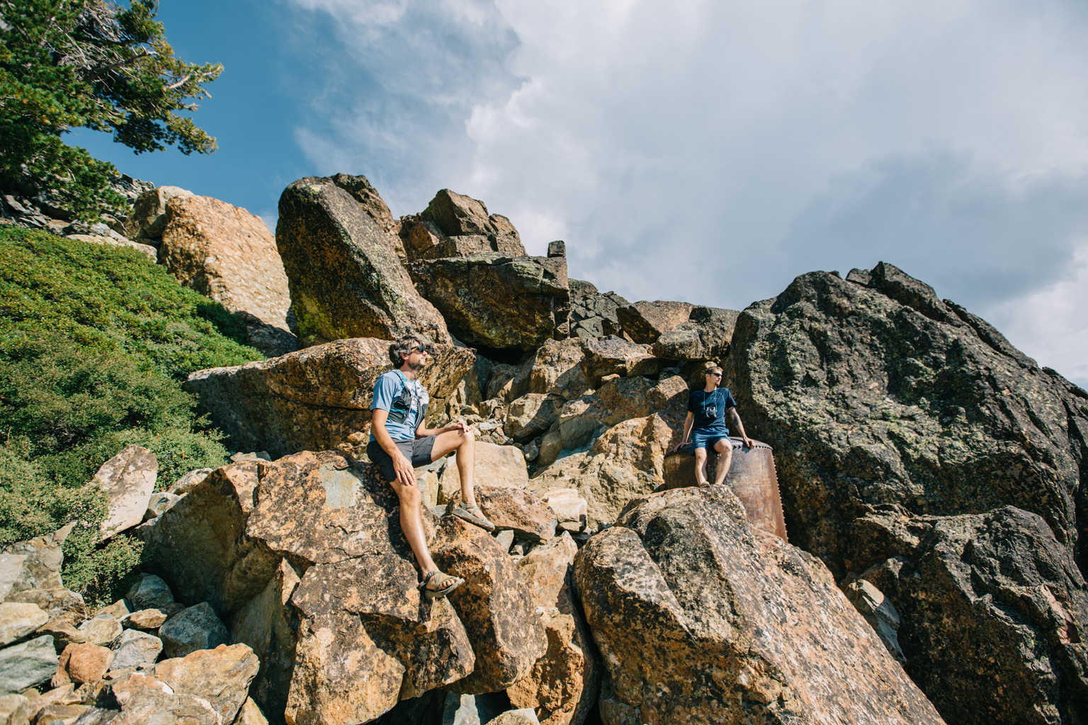 CindyGiovagnoli_outdoors_photographer_Sierra_Buttes_firetower_watchtower_Sardine_Snag_Bear_lake_hike_swim_camp-015.jpg
