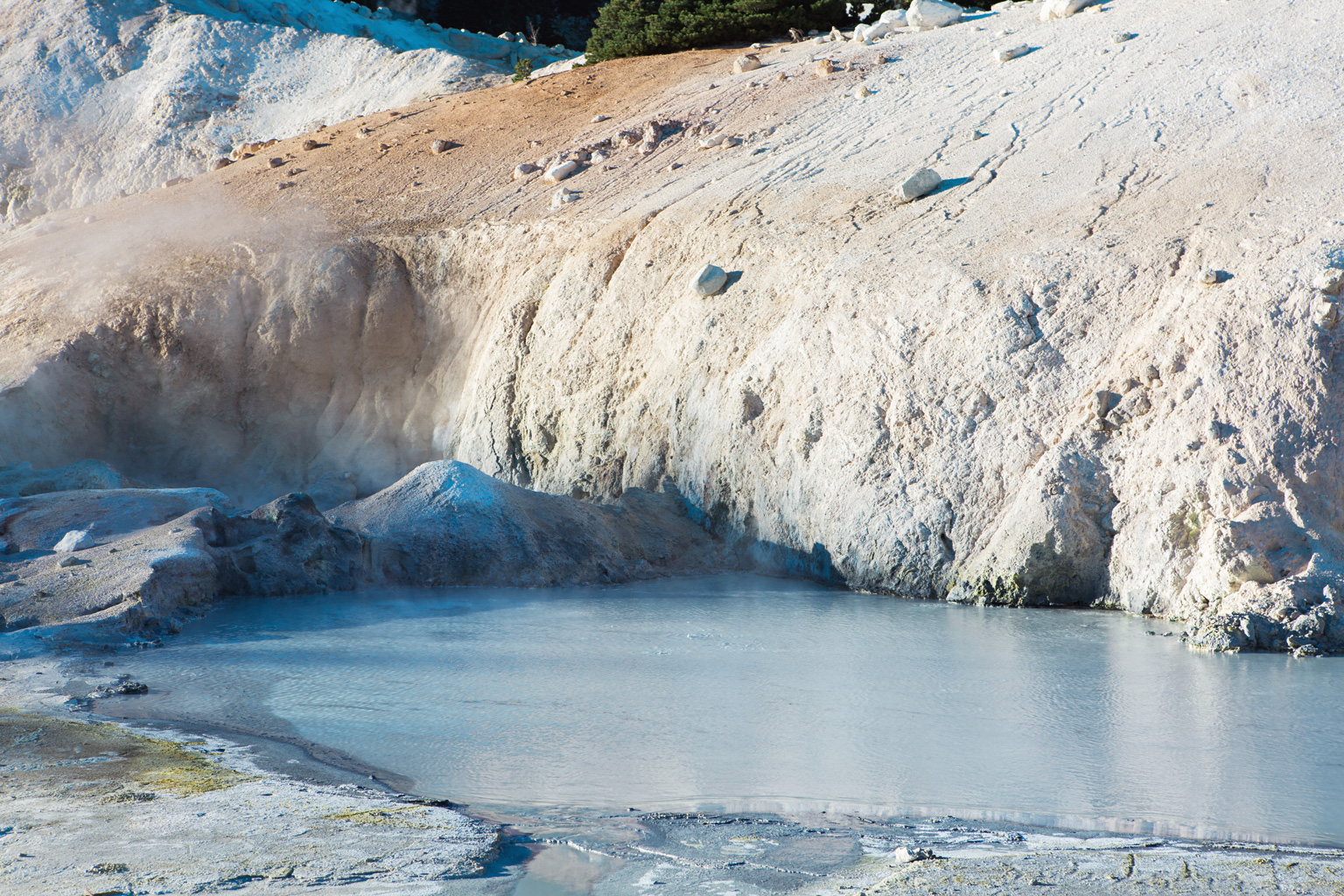 CindyGiovagnoli_Lassen_Volcanic_National_Park_California_camp_road_trip-010.jpg