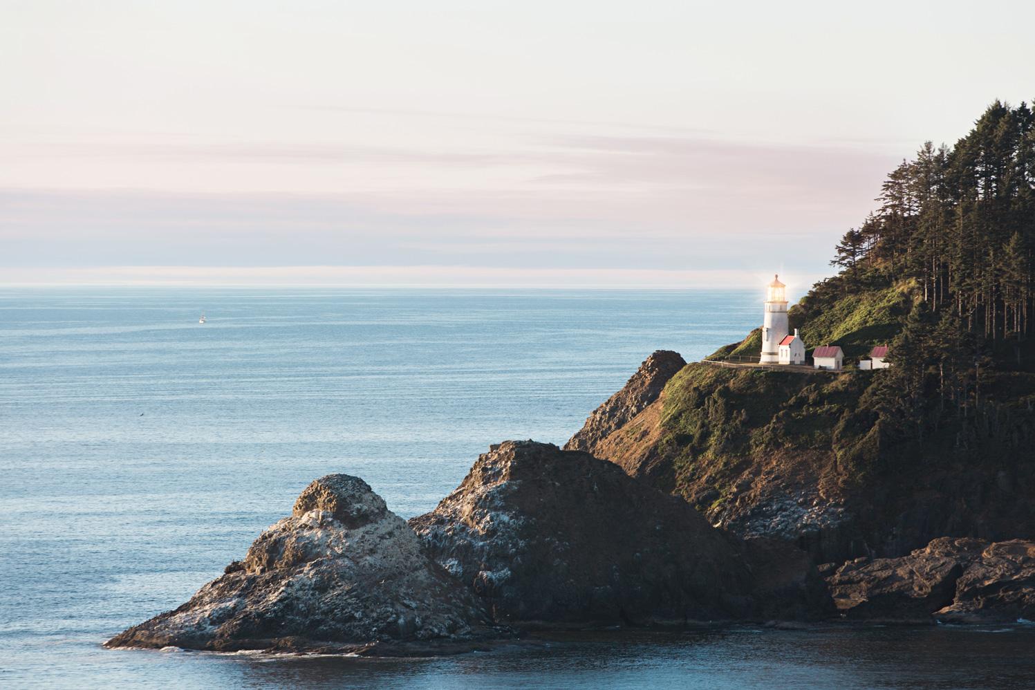 CindyGiovagnoli_Crater_Lake_National_Park_Cape_Perpetua_Heceta_Head_lighthouse_Pacific_Ocean_Cannon_Beach_haystack_Oregon_coast-002.jpg
