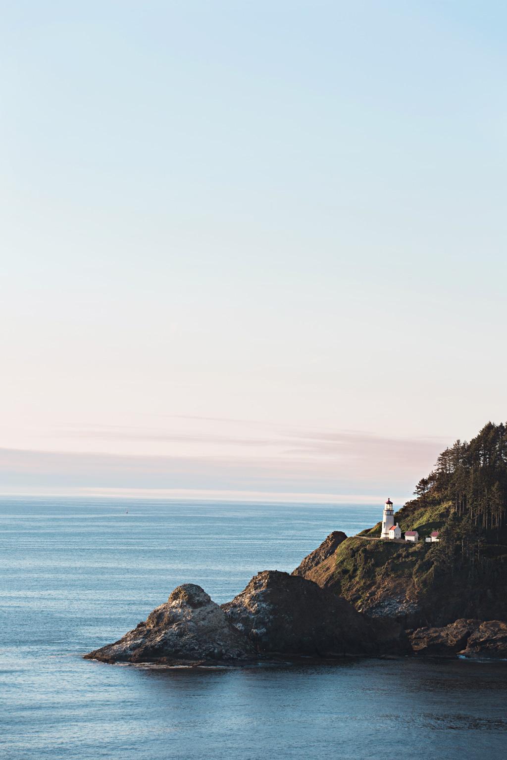 CindyGiovagnoli_Crater_Lake_National_Park_Cape_Perpetua_Heceta_Head_lighthouse_Pacific_Ocean_Cannon_Beach_haystack_Oregon_coast-012.jpg
