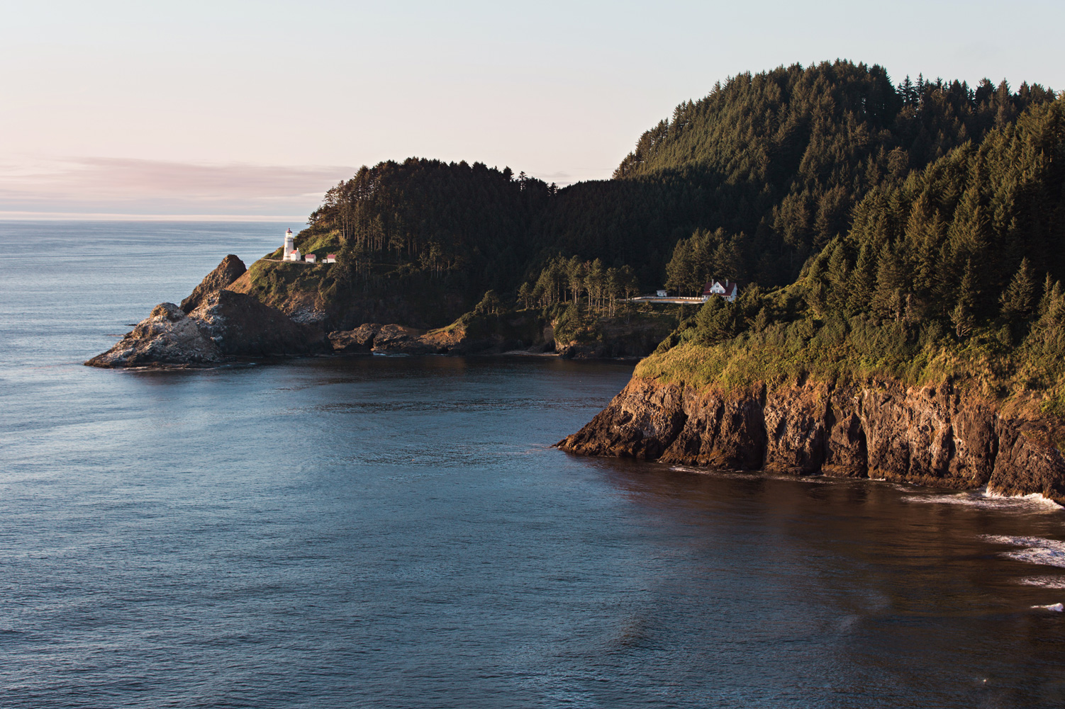 CindyGiovagnoli_Crater_Lake_National_Park_Cape_Perpetua_Heceta_Head_lighthouse_Pacific_Ocean_Cannon_Beach_haystack_Oregon_coast-018.jpg