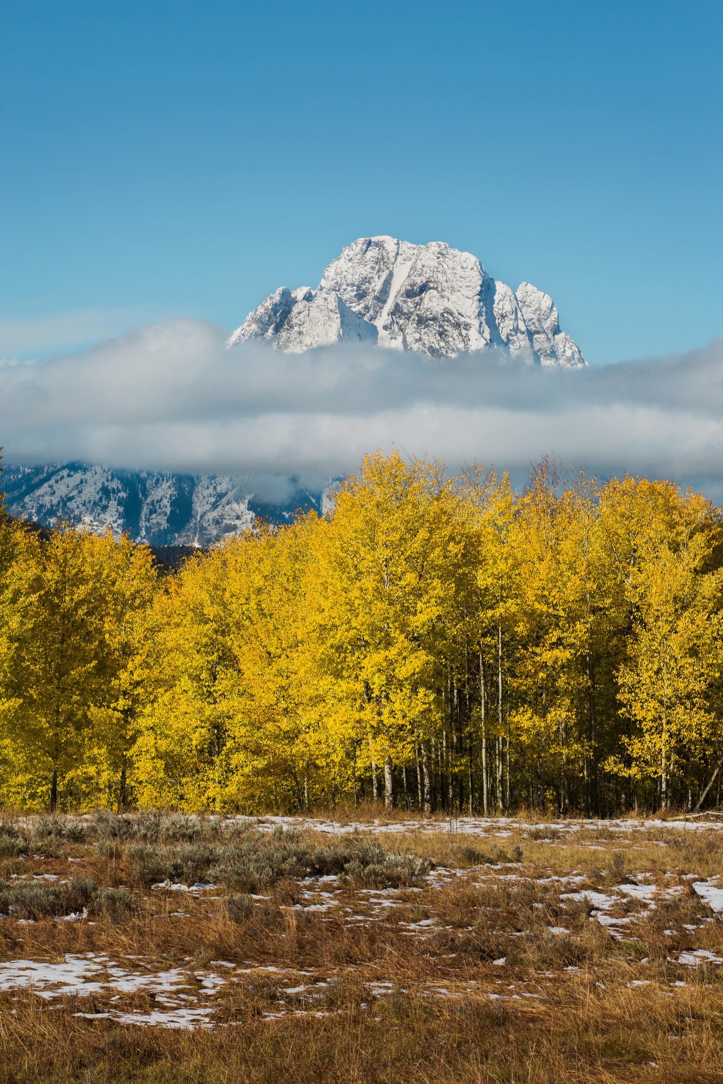 CindyGiovagnoli_outdoor_adventure_photography_Grand_Teton_Yellowstone_Glacier_National_Park_Montana_Wyoming_South_Dakota_Mount_Rushmore_Badlands-003.jpg