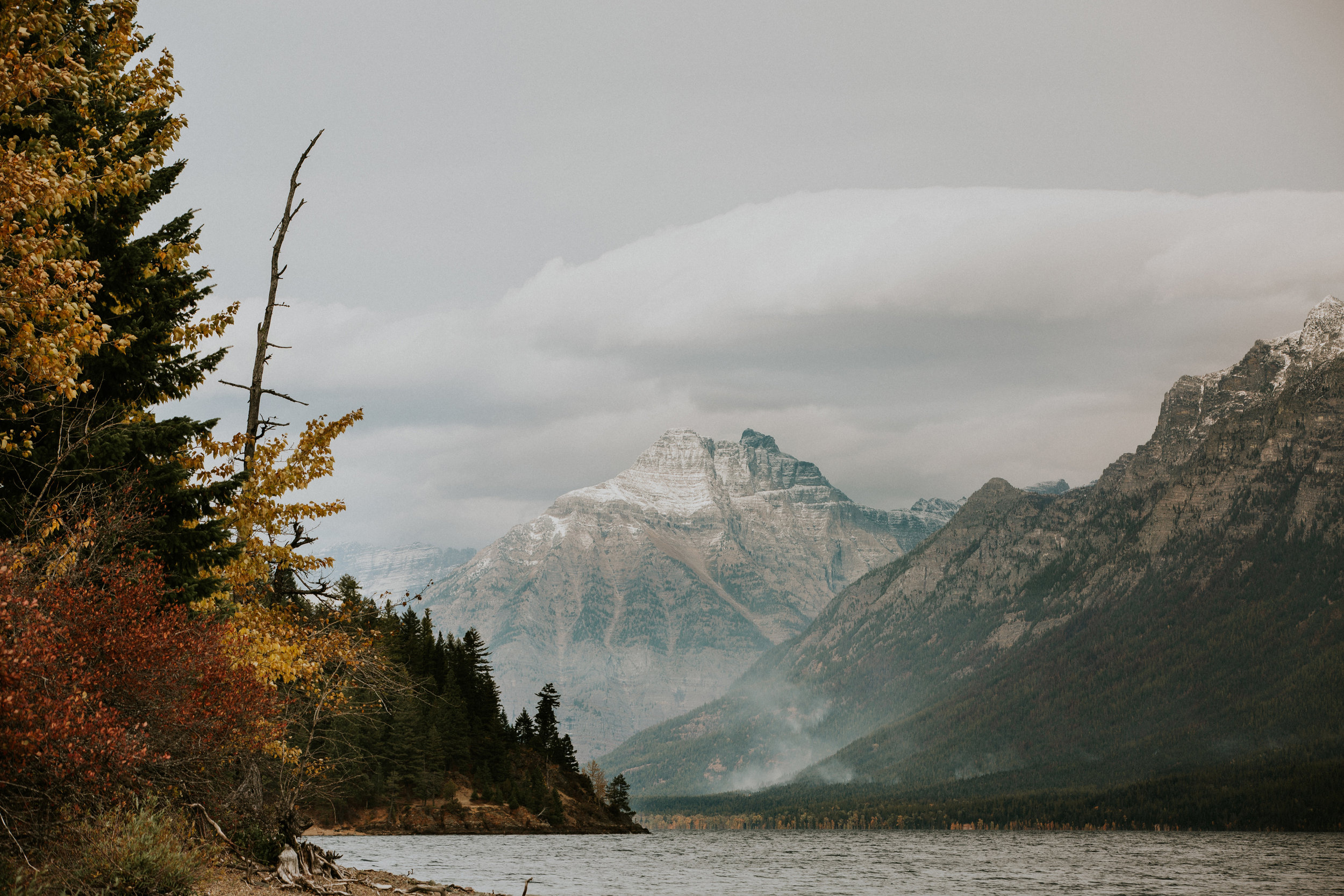 CindyGiovagnoli_Glacier_National_Park_Montana_mountains_lake_fall_autumn_road_trip-001.jpg
