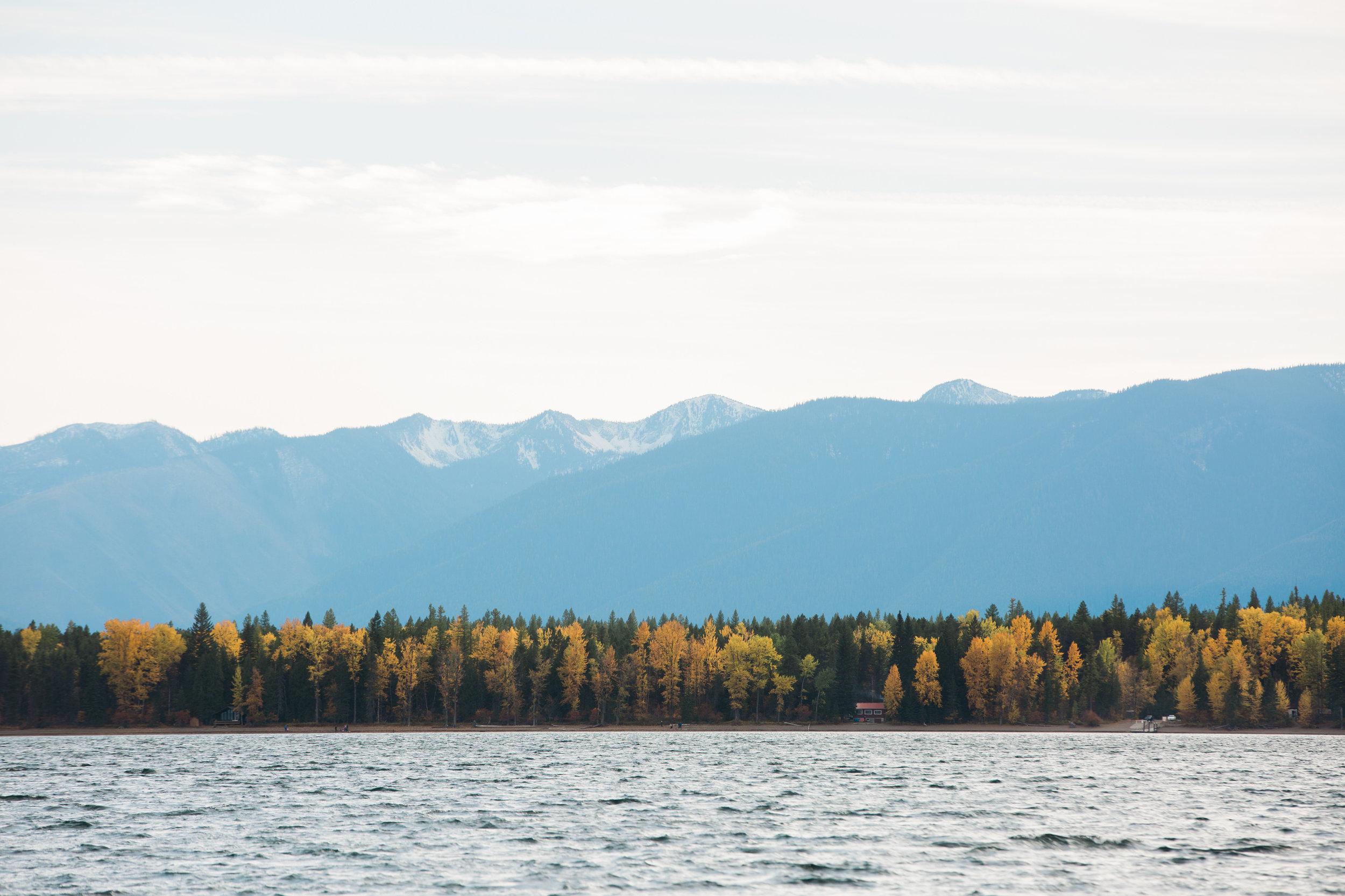 CindyGiovagnoli_Glacier_National_Park_Montana_mountains_lake_fall_autumn_road_trip-008.jpg