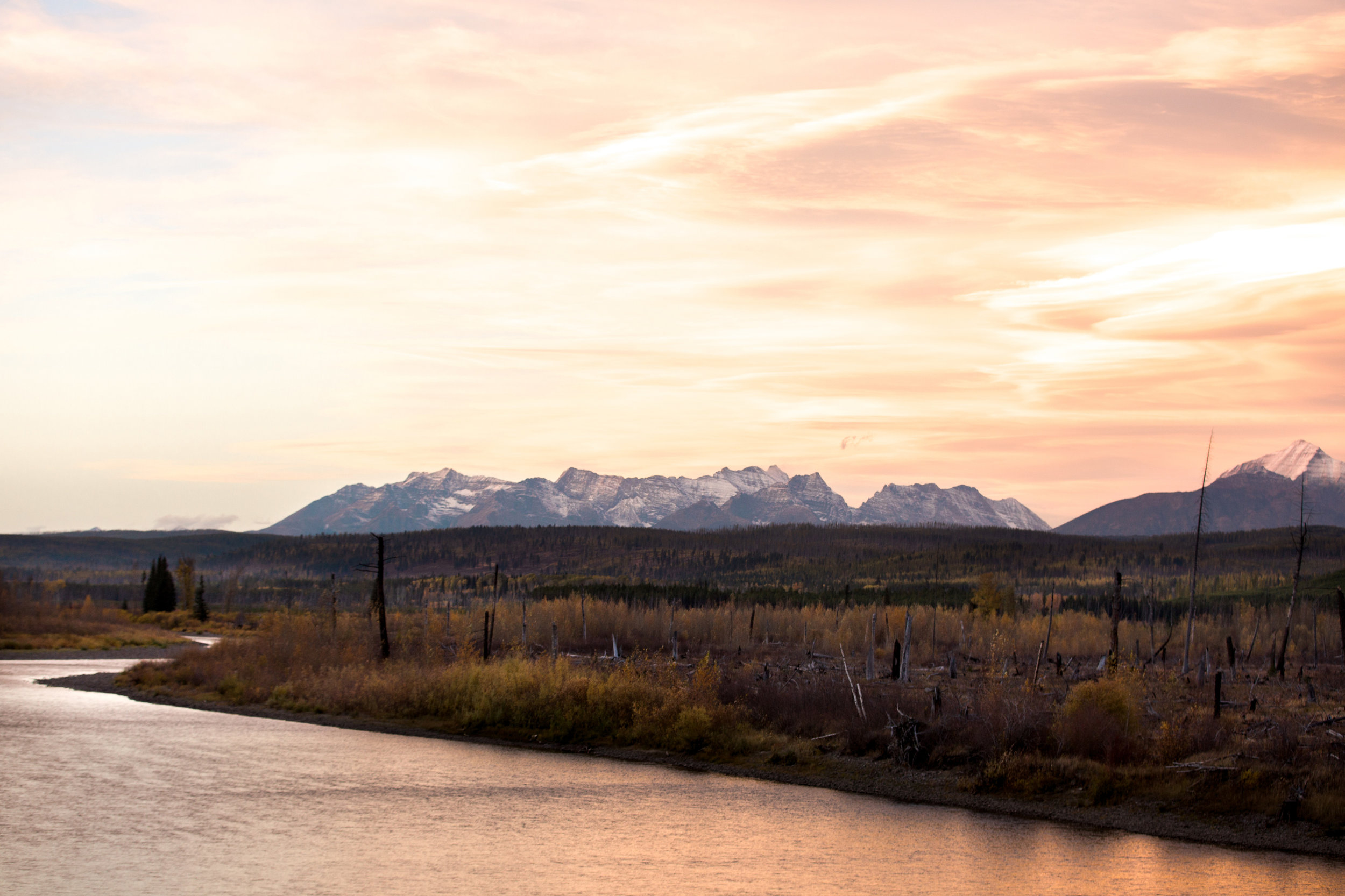 CindyGiovagnoli_Glacier_National_Park_Montana_mountains_lake_fall_autumn_road_trip-018.jpg
